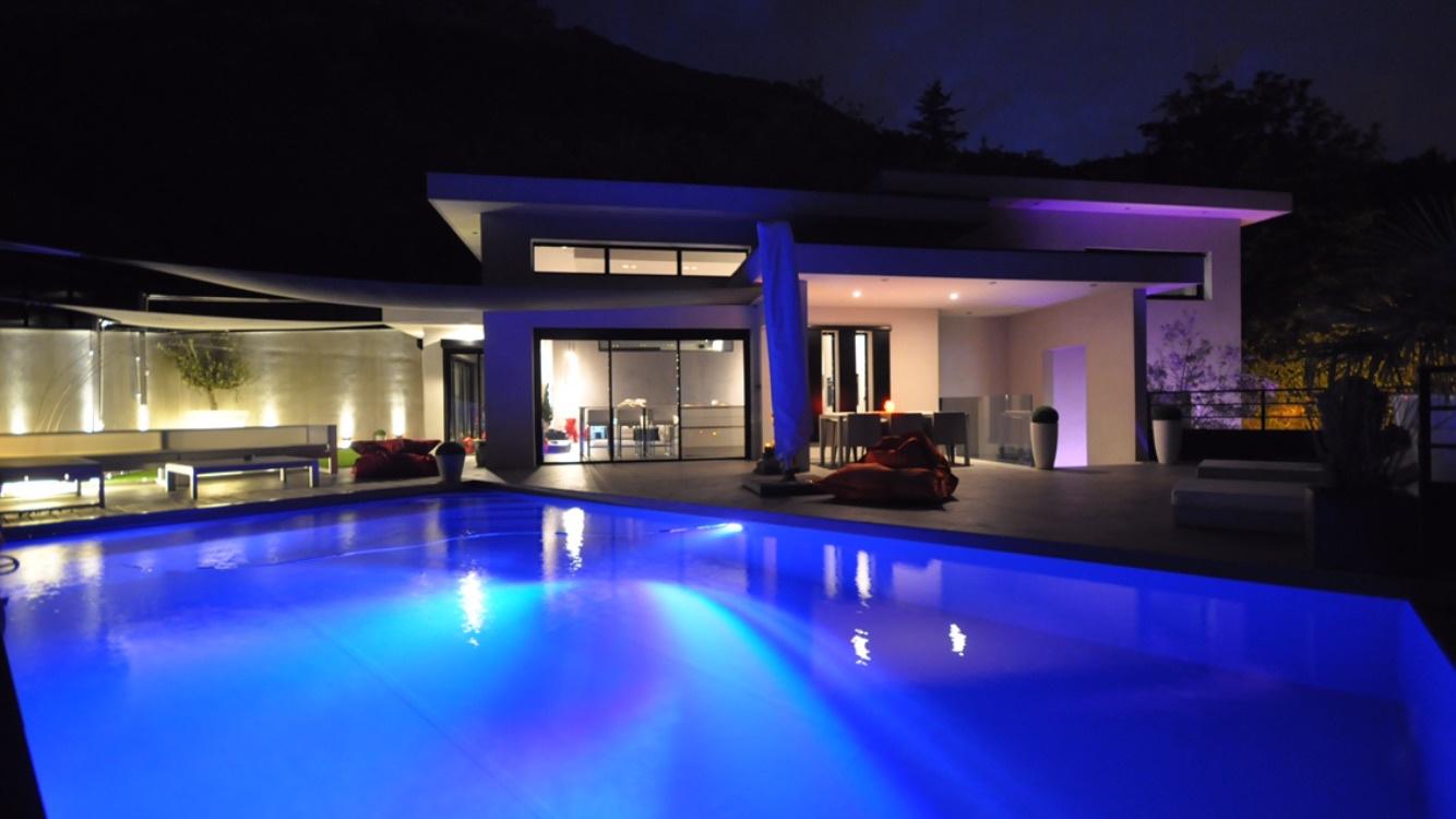 vente superbe villa contemporaine de 180 m sur claix. Black Bedroom Furniture Sets. Home Design Ideas